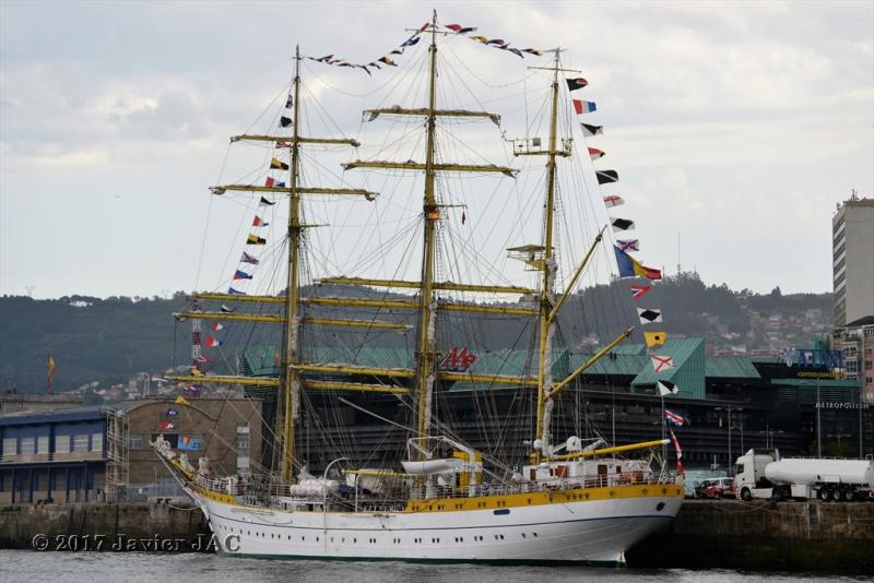 El Velero Rumano Mircea es un velero del tipo barca de tres mástile  (2)